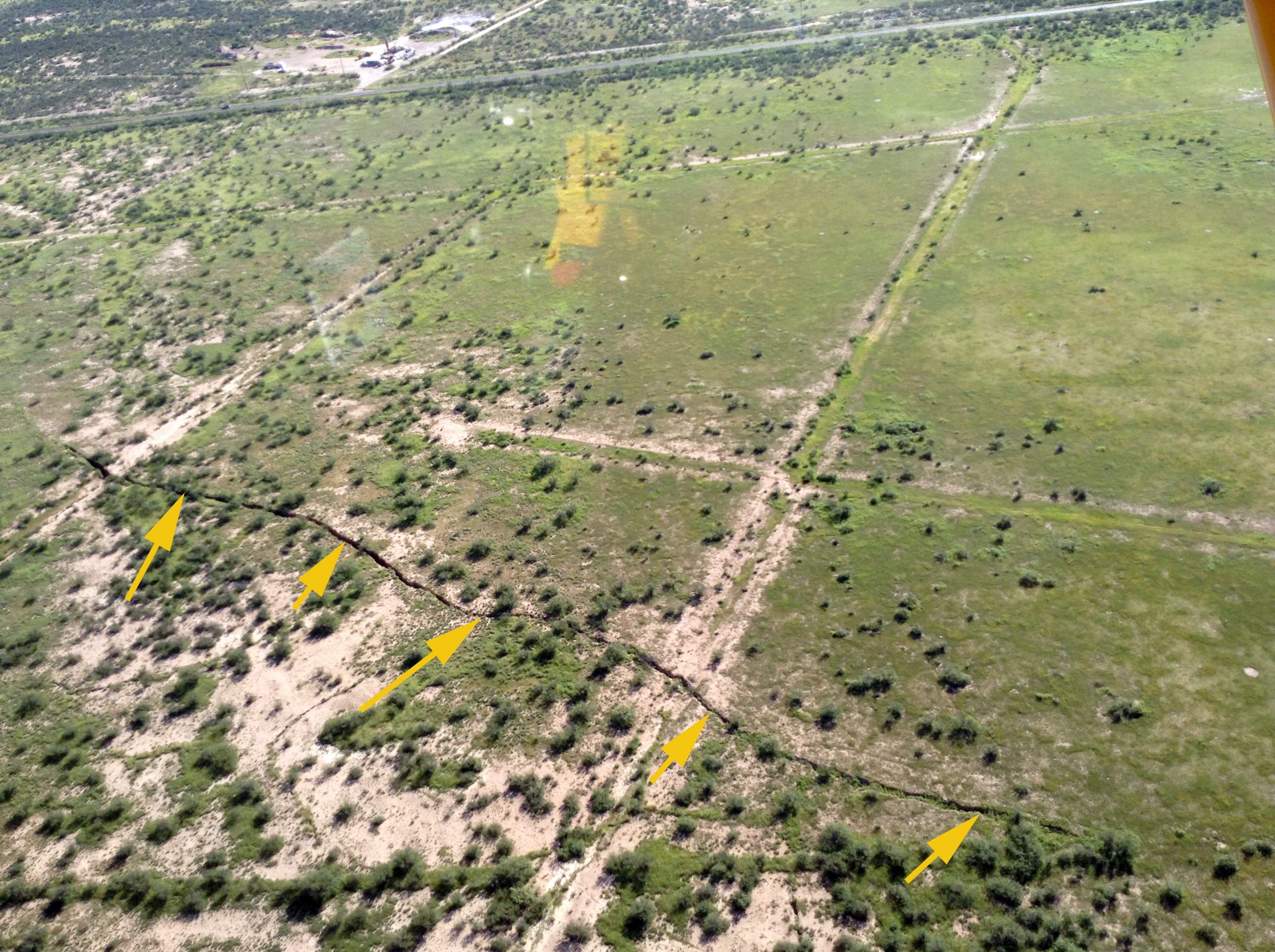 Earth fissure near Richland Rd , Cochise County | AZGS